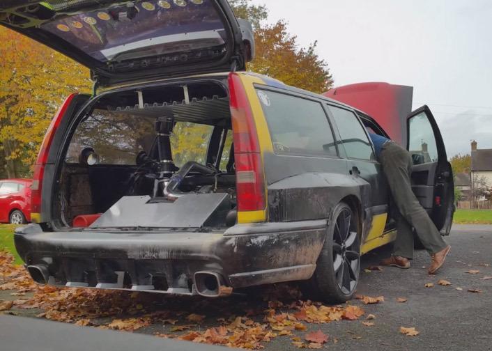 Deux moteurs dans cette Volvo 850 !