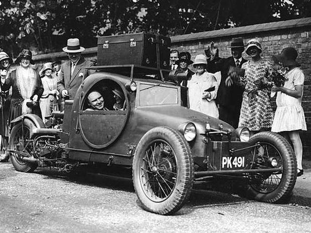 curieux montage 2-concept-car-1900