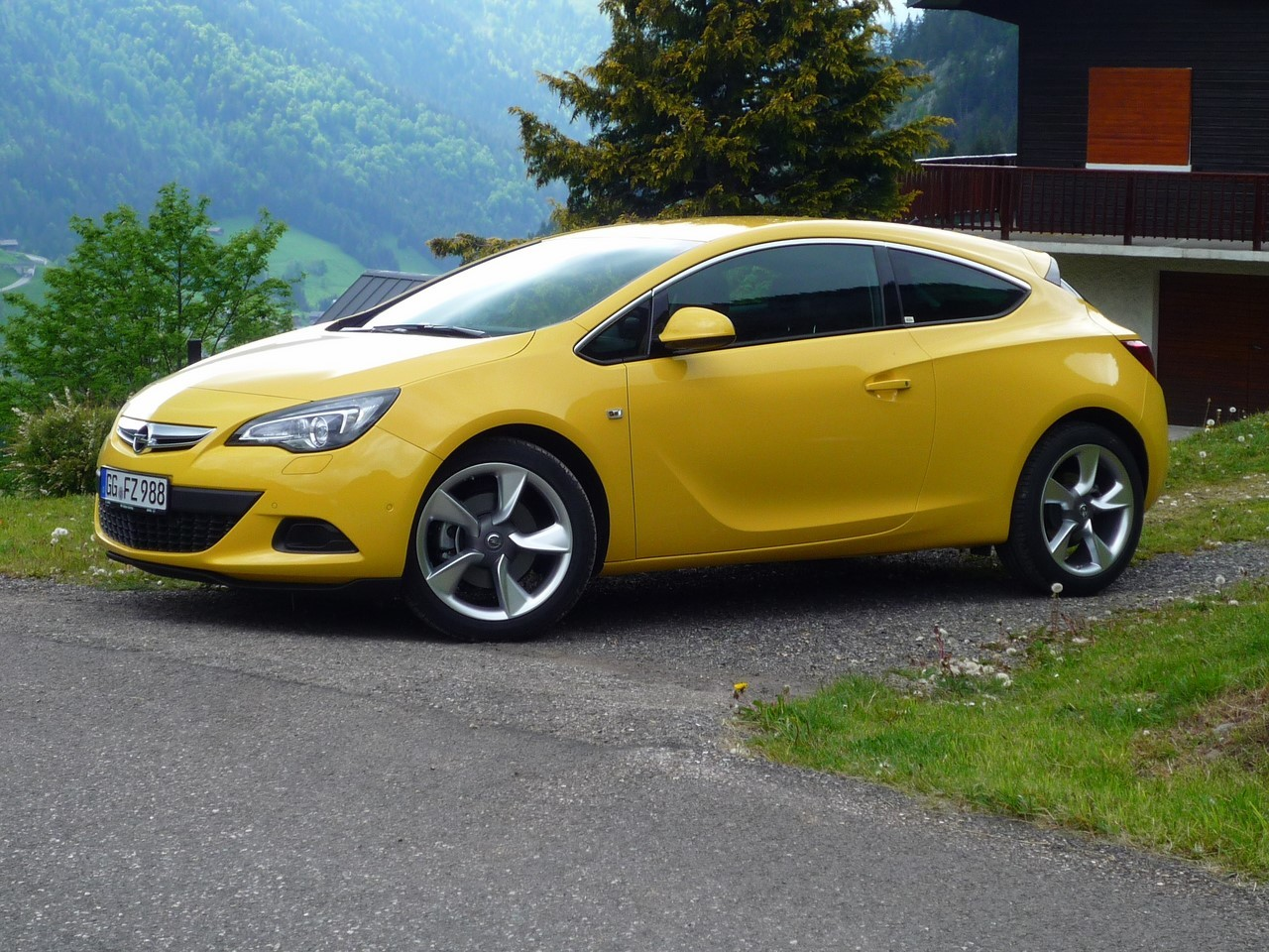 Essai Opel Astra GTC 200 ch : le chaînon manquant ?