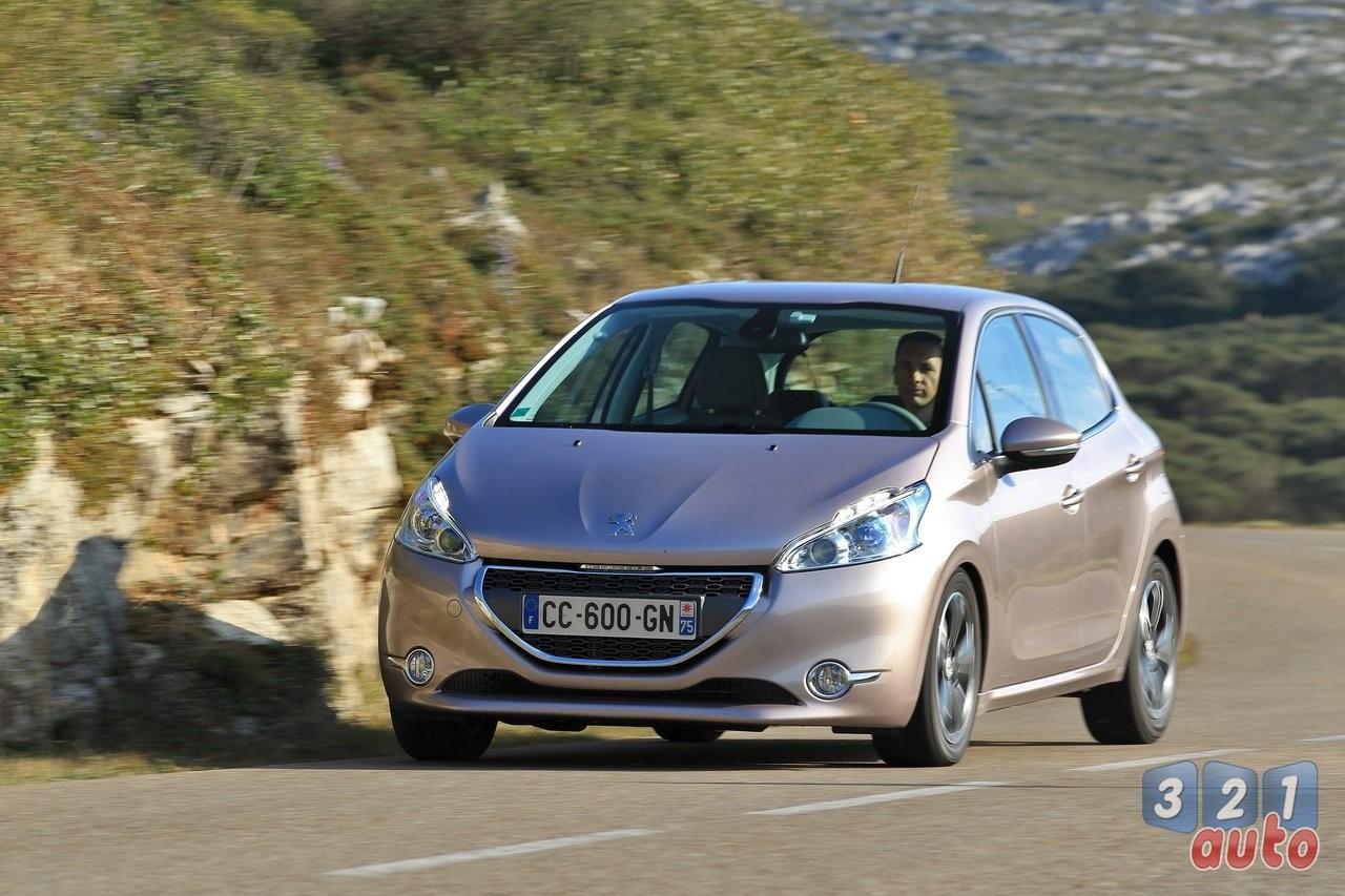Premier essai de la Peugeot 208