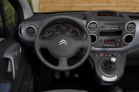 Le mondial de l 39 automobile 2008 l 39 argus de l 39 automobile for Berlingo interieur