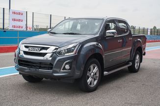 ISUZU D-Max 2.5 TD 163 Single Satellite A/C 4x4