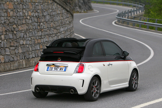 fiche technique abarth 500c 1 4 turbo t jet 180ch 595 competizione bva l 39. Black Bedroom Furniture Sets. Home Design Ideas
