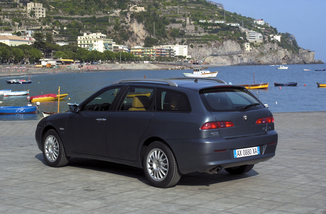fiche technique alfa romeo 156 sw 2 4 jtd175 multijet selective l 39. Black Bedroom Furniture Sets. Home Design Ideas