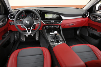 fiche technique alfa romeo giulia 2 2 jtd 150ch pack business at8 l 39. Black Bedroom Furniture Sets. Home Design Ideas