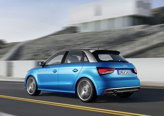 fiche technique audi a1 sportback 1 0 tfsi 95ch ultra s tronic 7 l 39. Black Bedroom Furniture Sets. Home Design Ideas