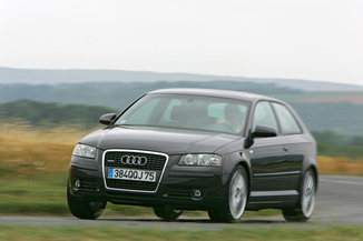 Audi A3 II 2.0 TDI 136ch Ambition Luxe 3p (06/2005)