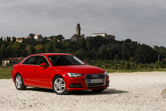 AUDI A4 Génération V (B9) Phase 1 2.0 TDI 150ch ultra Business line S tronic 7