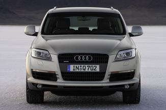 fiche technique audi q7 3 0 v6 tdi 240ch dpf ambition luxe quattro tiptronic 7 places l 39. Black Bedroom Furniture Sets. Home Design Ideas