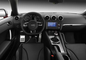 Fiche technique audi tt ii 2 0 tfsi 200ch s line l 39 for Interieur q3 s line