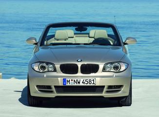 fiche technique bmw serie 1 cabriolet 1 e88 essence 135i sport design de 2008 2011. Black Bedroom Furniture Sets. Home Design Ideas