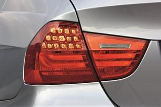 Fiche technique BMW Série 3 V (E90) 330xi 272ch Edition ...