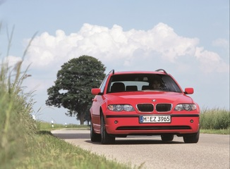fiche technique bmw s rie 3 touring iv e46 320d 150ch pack luxe l 39. Black Bedroom Furniture Sets. Home Design Ideas