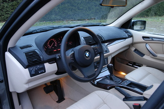 fiche technique bmw x5 i e53 218ch pack luxe l 39. Black Bedroom Furniture Sets. Home Design Ideas