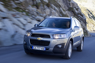 fiche technique chevrolet captiva 2 2 vcdi184 ltz ba awd l 39. Black Bedroom Furniture Sets. Home Design Ideas