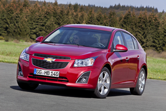 fiche technique chevrolet cruze 1 7 vcdi 131ch ltz s s 5p l 39. Black Bedroom Furniture Sets. Home Design Ideas
