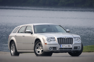 fiche technique chrysler 300 c touring 5 7 v8 hemi awd ba l 39. Black Bedroom Furniture Sets. Home Design Ideas