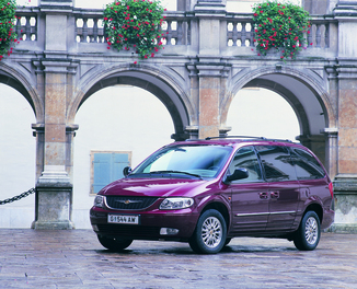 fiche technique chrysler voyager ii 2 5 crd140 lx anniv edition 2004. Black Bedroom Furniture Sets. Home Design Ideas