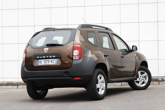 fiche technique dacia duster i h79 1 5 dci 85ch laur ate. Black Bedroom Furniture Sets. Home Design Ideas