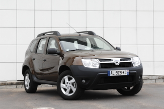 fiche technique dacia duster i h79 1 5 dci 110ch fap prestige 4x2 l 39. Black Bedroom Furniture Sets. Home Design Ideas
