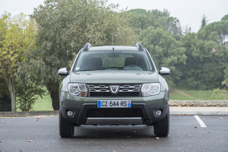 fiche technique dacia duster i h79 1 5 dci 110ch prestige 4x4 l 39. Black Bedroom Furniture Sets. Home Design Ideas