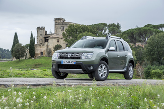 fiche technique dacia duster i h79 1 2 tce 125ch black touch 4x2 l 39. Black Bedroom Furniture Sets. Home Design Ideas