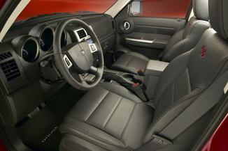 fiche technique dodge nitro 2 8 crd sxt 4x4 l 39. Black Bedroom Furniture Sets. Home Design Ideas