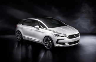 DS DS 5 Hybrid 4x4 Executive ETG6