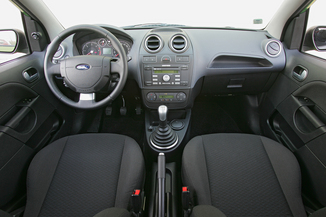 fiche technique ford fiesta iii 1 4 16v senso plus durashift 5p 2006. Black Bedroom Furniture Sets. Home Design Ideas