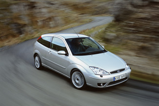 Ford Focus 1.4 75ch Ambiente 3p (10/2001)