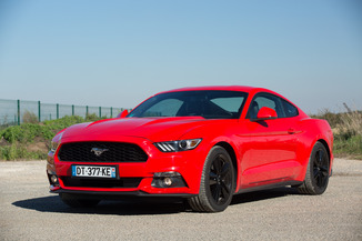 FORD Mustang Fastback 5.0 V8 421ch GT