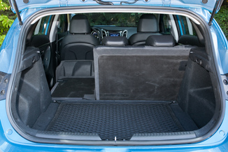 fiche technique hyundai i30 ii 1 4 pack inventive 5p 2014. Black Bedroom Furniture Sets. Home Design Ideas