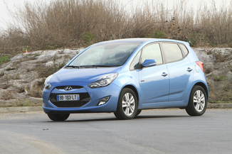 HYUNDAI ix20 1.6 CRDi115 PACK Business Blue Drive