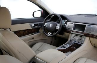 fiche technique jaguar xf 3 0 v6 d s luxe premium l 39. Black Bedroom Furniture Sets. Home Design Ideas