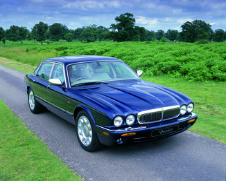 fiche technique jaguar xj8 ii 3 2 v8 pack sport ba l 39. Black Bedroom Furniture Sets. Home Design Ideas