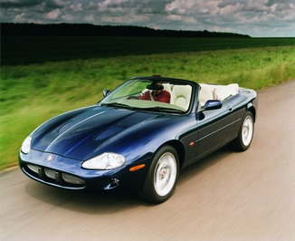 fiche technique jaguar xk8 cabriolet i 4 2 v8 cabriolet ba 2003. Black Bedroom Furniture Sets. Home Design Ideas