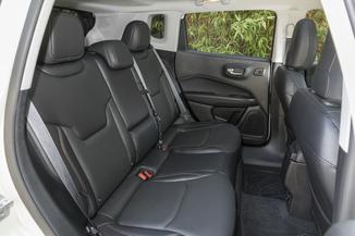 fiche technique jeep compass ii 1 6 multijet ii 120ch limited 4x2 l 39. Black Bedroom Furniture Sets. Home Design Ideas