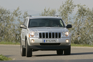 fiche technique jeep grand cherokee iii 3 0 crd laredo 2006. Black Bedroom Furniture Sets. Home Design Ideas