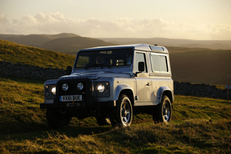 LAND-ROVER - Defender
