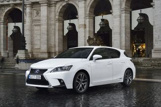 LEXUS CT 200h Design