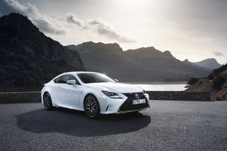 LEXUS RC Génération I Phase 1 Evo 300h Executive