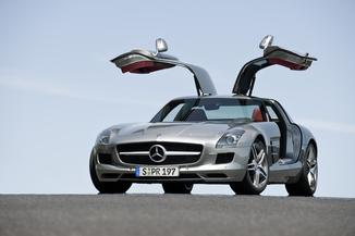 MERCEDES-BENZ SLS 63 AMG Speedshift DCT