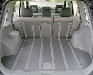 nissan x trail vs toyota rav4 comparison review be forward autos post. Black Bedroom Furniture Sets. Home Design Ideas