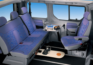 Fiche technique opel vivaro tour 1 9 cdti100 c1 l 39 for Interieur opel vivaro