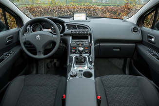 fiche technique peugeot 3008 2 16 hdi 115 fap allure. Black Bedroom Furniture Sets. Home Design Ideas