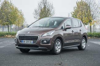 PEUGEOT 3008 1.6 HDi115 FAP Business Pack