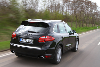 fiche technique porsche cayenne ii 958 v6 tiptronic l 39. Black Bedroom Furniture Sets. Home Design Ideas