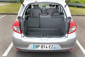 fiche technique renault clio iii 1 2 16v 75 collection zen 5p 2014. Black Bedroom Furniture Sets. Home Design Ideas