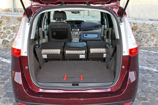 fiche technique renault grand scenic iii 1 6 dci130 energy. Black Bedroom Furniture Sets. Home Design Ideas