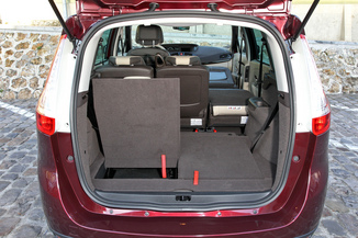 fiche technique renault grand scenic iii 1 6 dci130 energy initiale eco 5pl l 39. Black Bedroom Furniture Sets. Home Design Ideas
